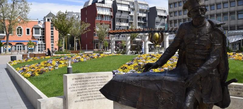 virágok, Dísz tér (5)